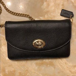 Used Coach Woc wallet on chain